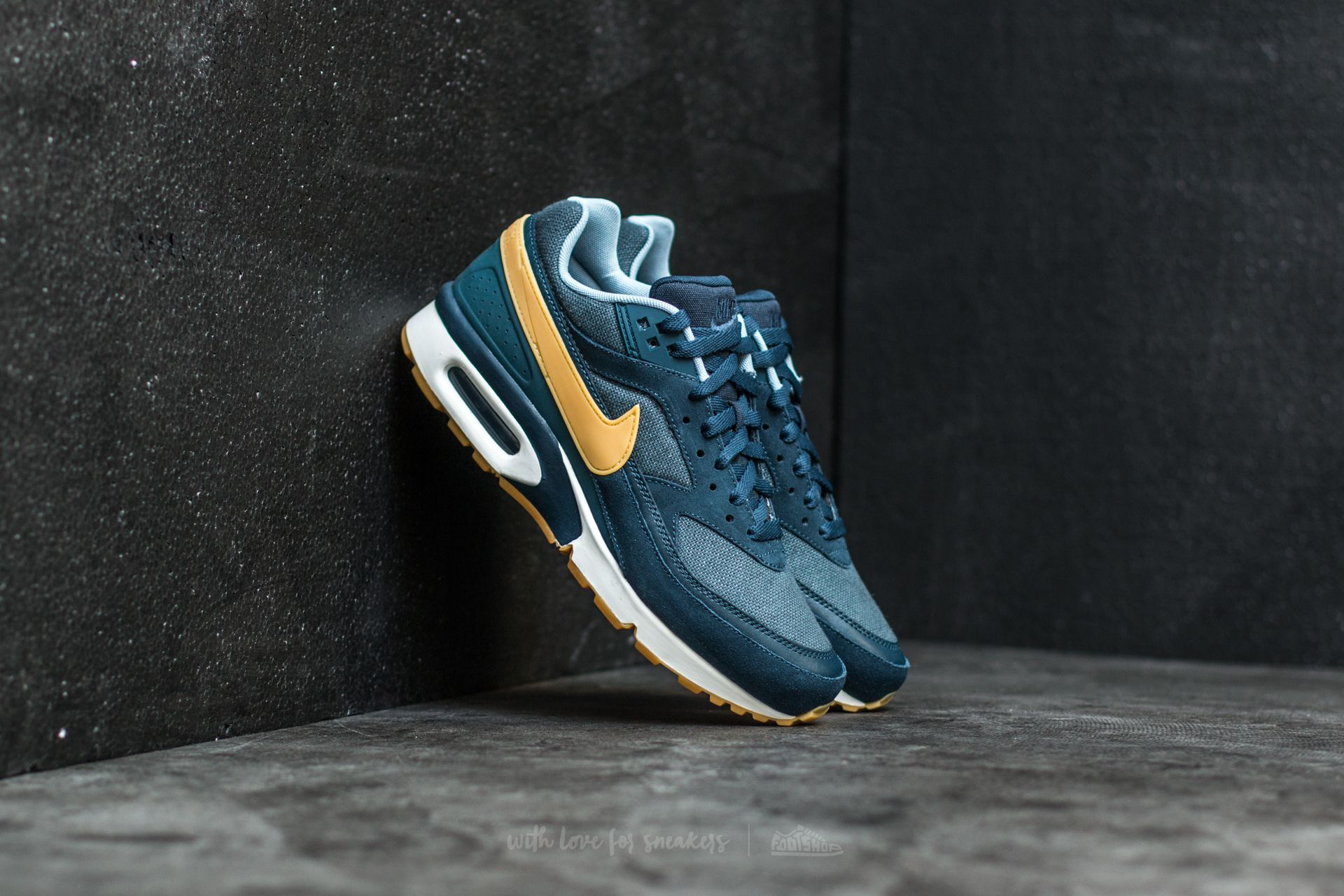 281a3062f0 Nike Air Max BW Premium Armory Navy/ Gum Yellow | Footshop