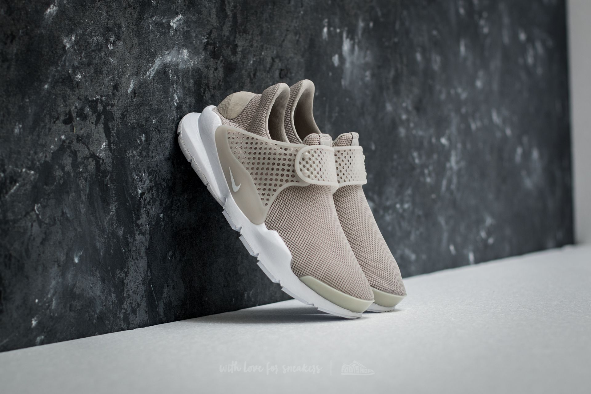 designer fashion 9b74b 17140 Nike Wmns Sock Dart Br. Pale Grey  White-Glacier Blue