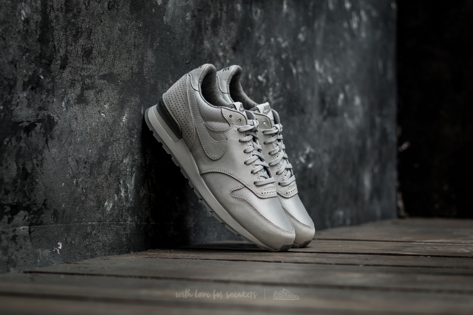 4d6da685bfb4 Nike Air Zoom Epic Luxe Wolf Grey  Wolf Grey-Cool Grey