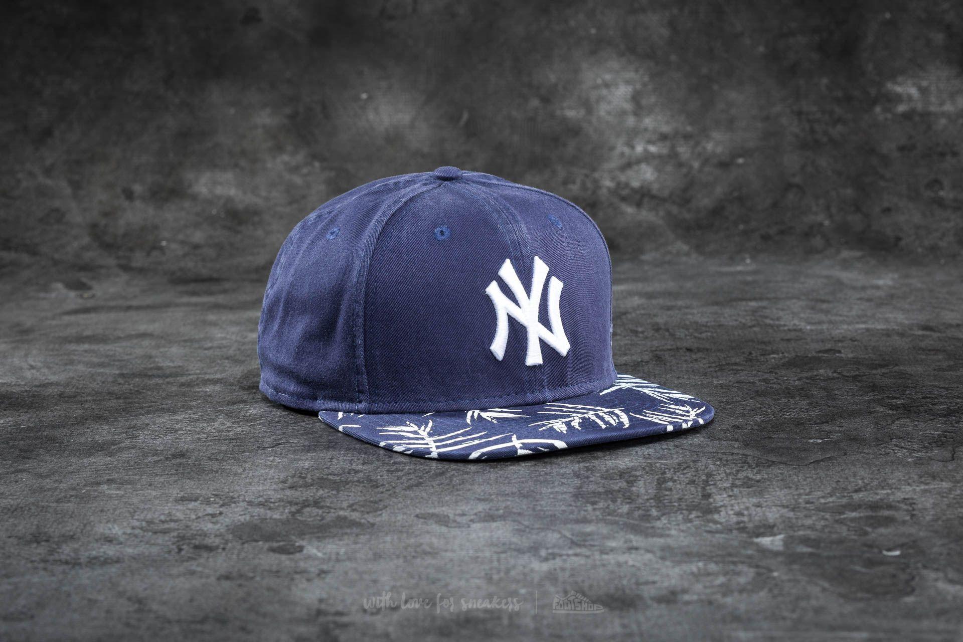 New Era 9Fifty Sandwash Visor Print New York Yankees Cap Navy  White a7c8293ba4a7