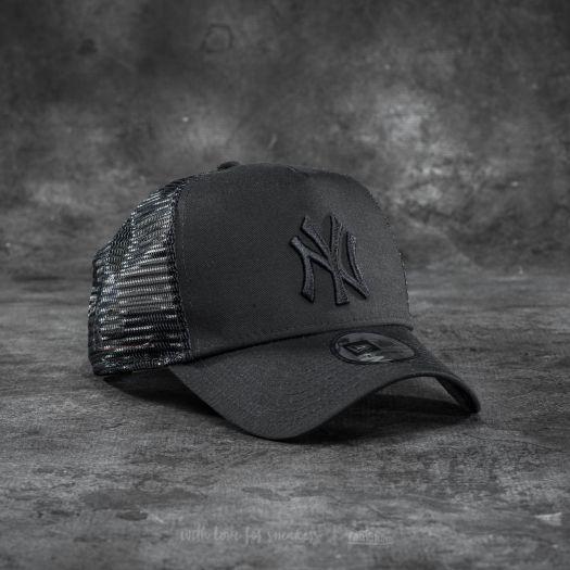 new-era-adjustable-trucker-mlb-essential-new-york-yankees-cap-black.jpg a185fcbfccf