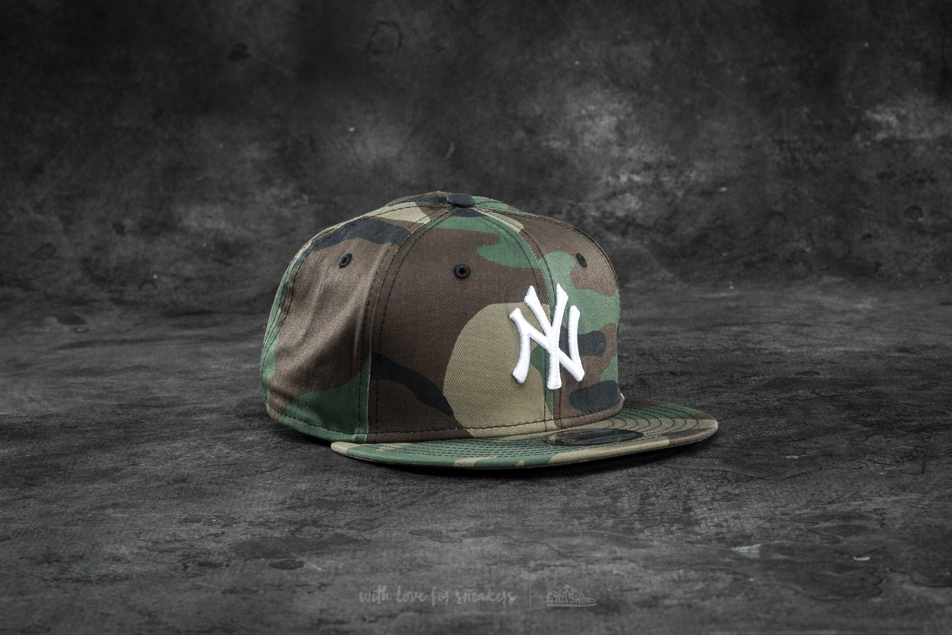045a7d795 New Era 9Fifty League Essential New York Yankees Cap. Woodland Camo