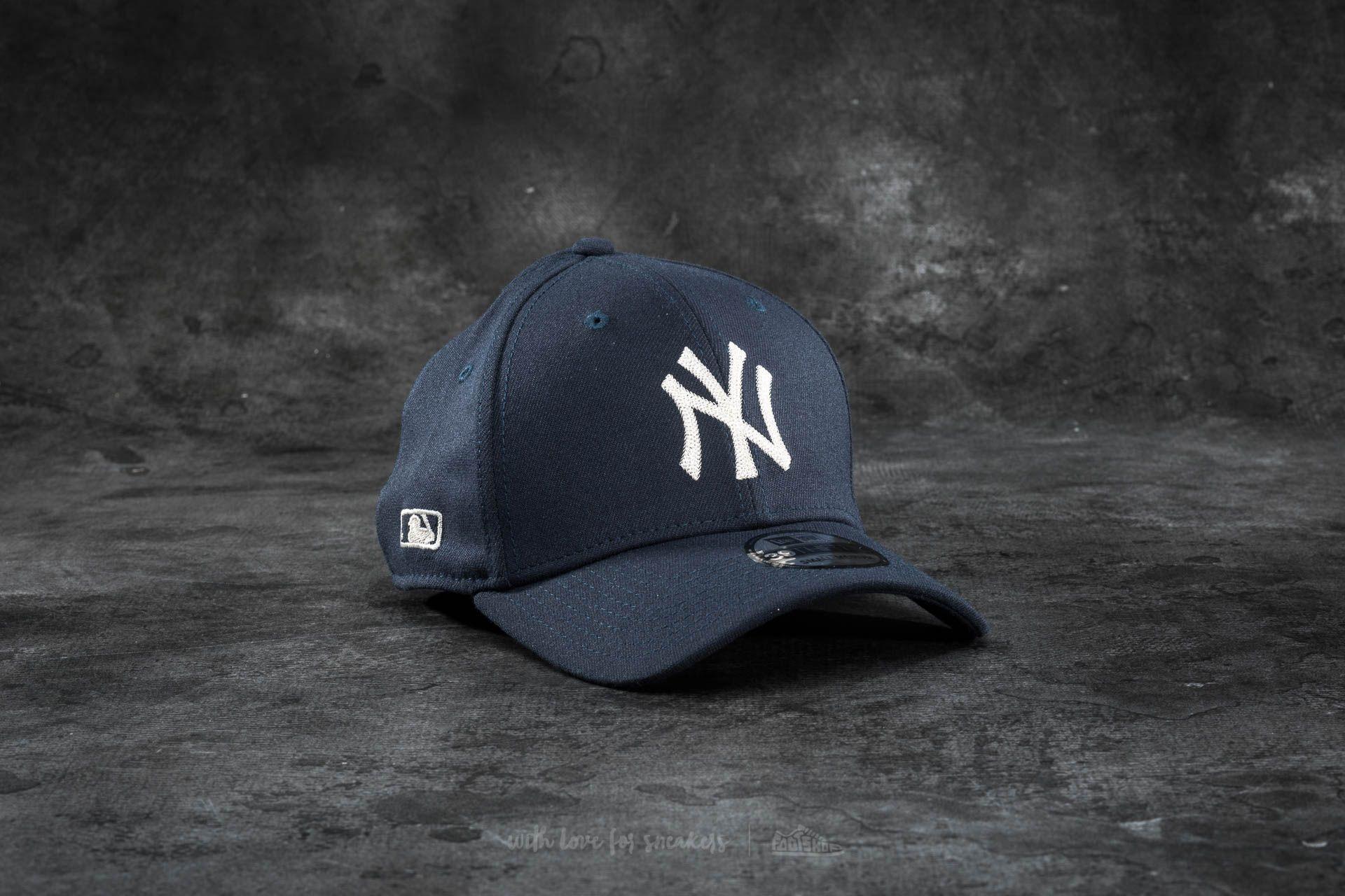 New Era 39Thirty Chain Stitch Stretch New York Yankees Cap