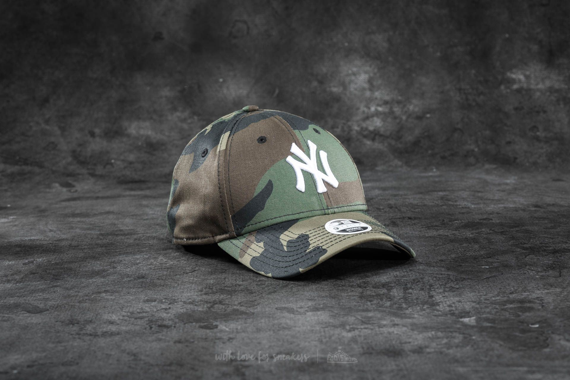 New Era 9Forty Adjustable MLB League Essential New York Yankees Cap. Camo 2e6a466a154