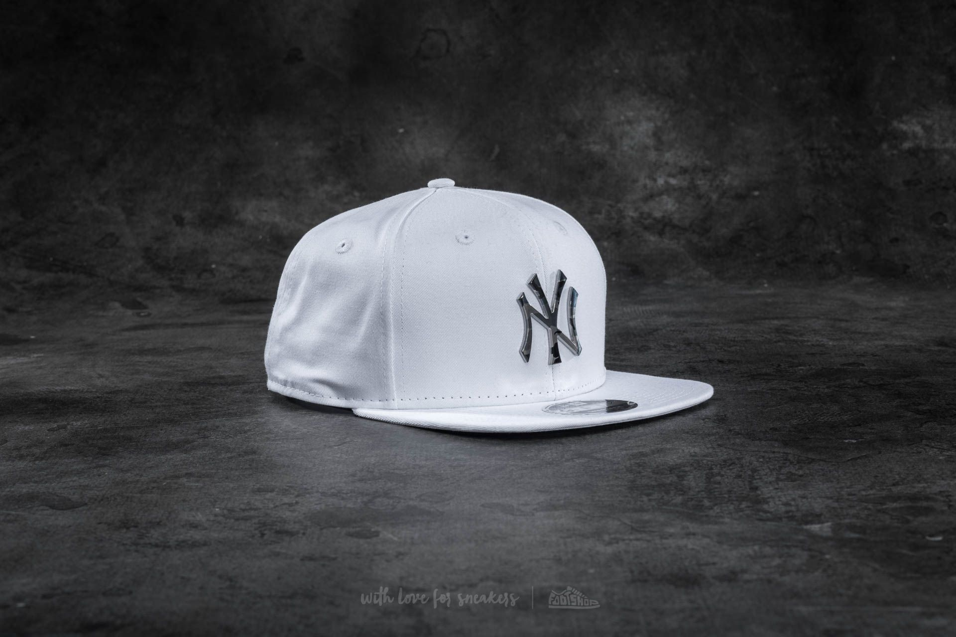 New Era 9Fifty Camo Metal Logo New York Yankees Cap White ... 37705a7e5b2