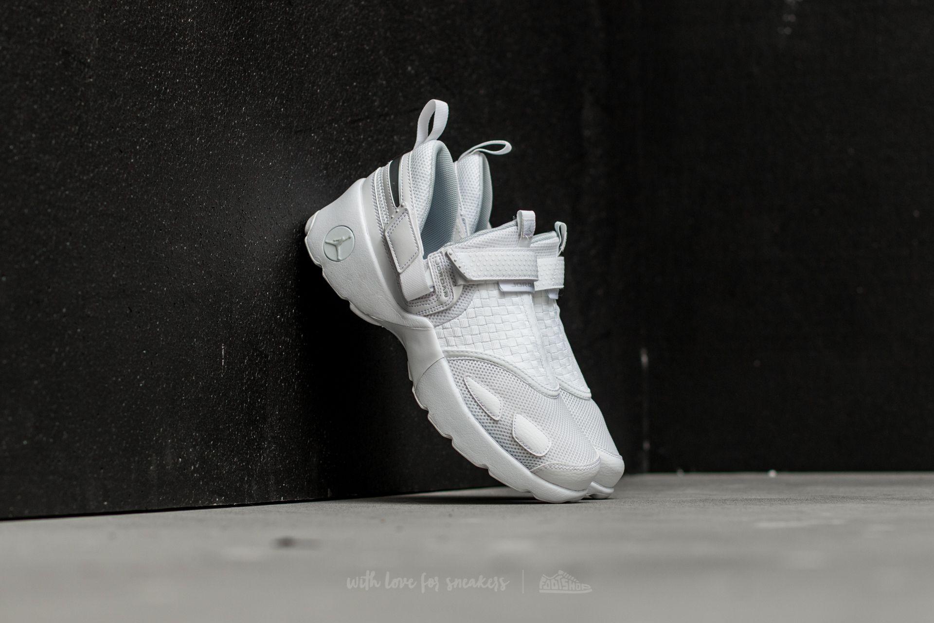 Men's shoes Jordan Trunner LX White