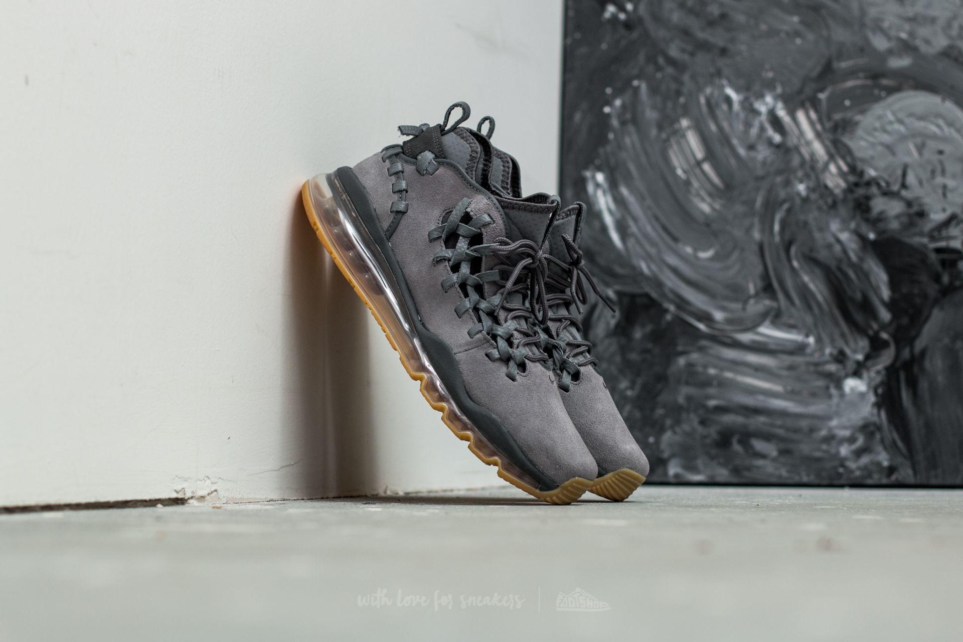 newest e5c04 2ed32 Nike Air Max TR17