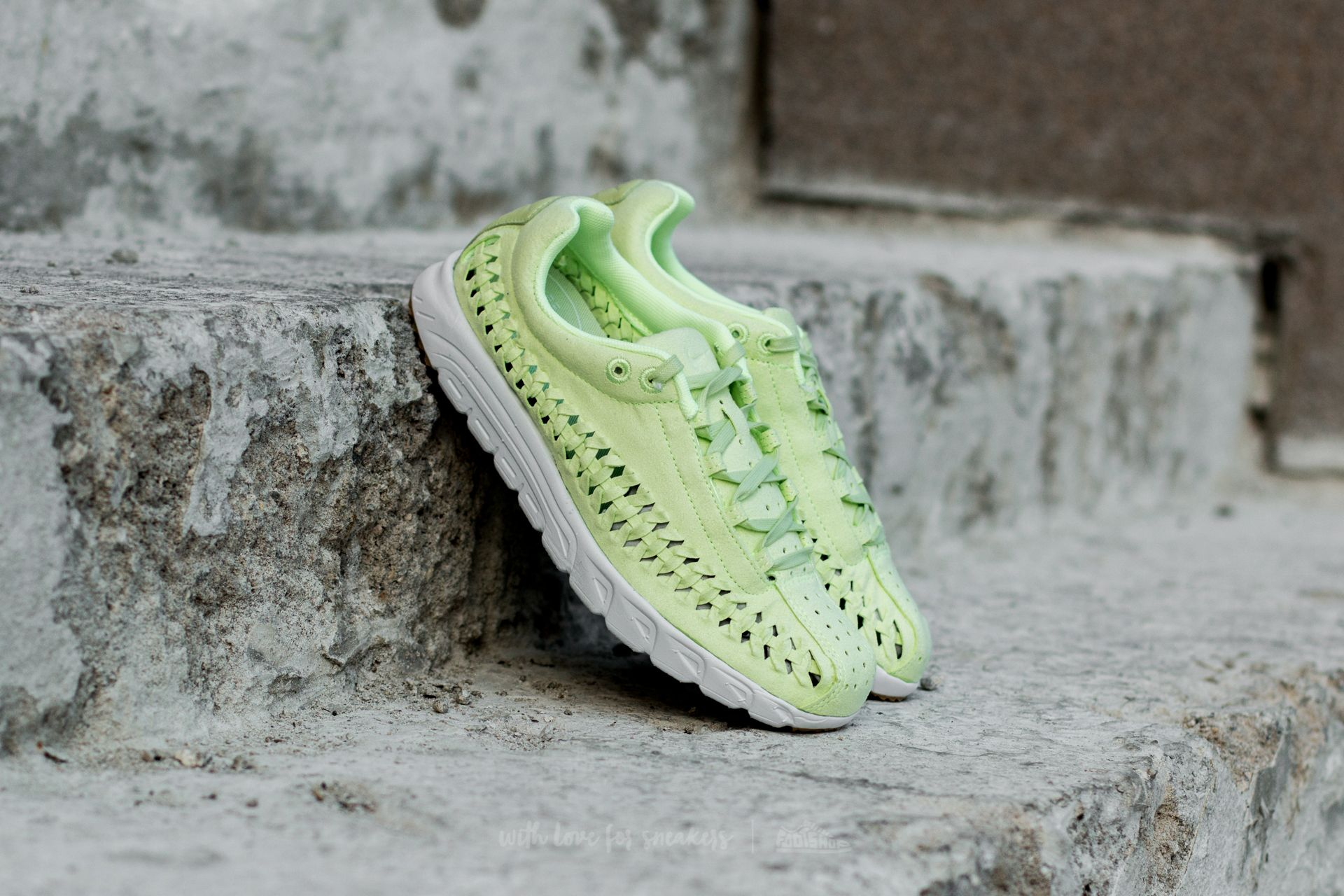 Nike Wmns Mayfly Woven QS Ligth Liquid Lime/ Ligth Liquid Lime
