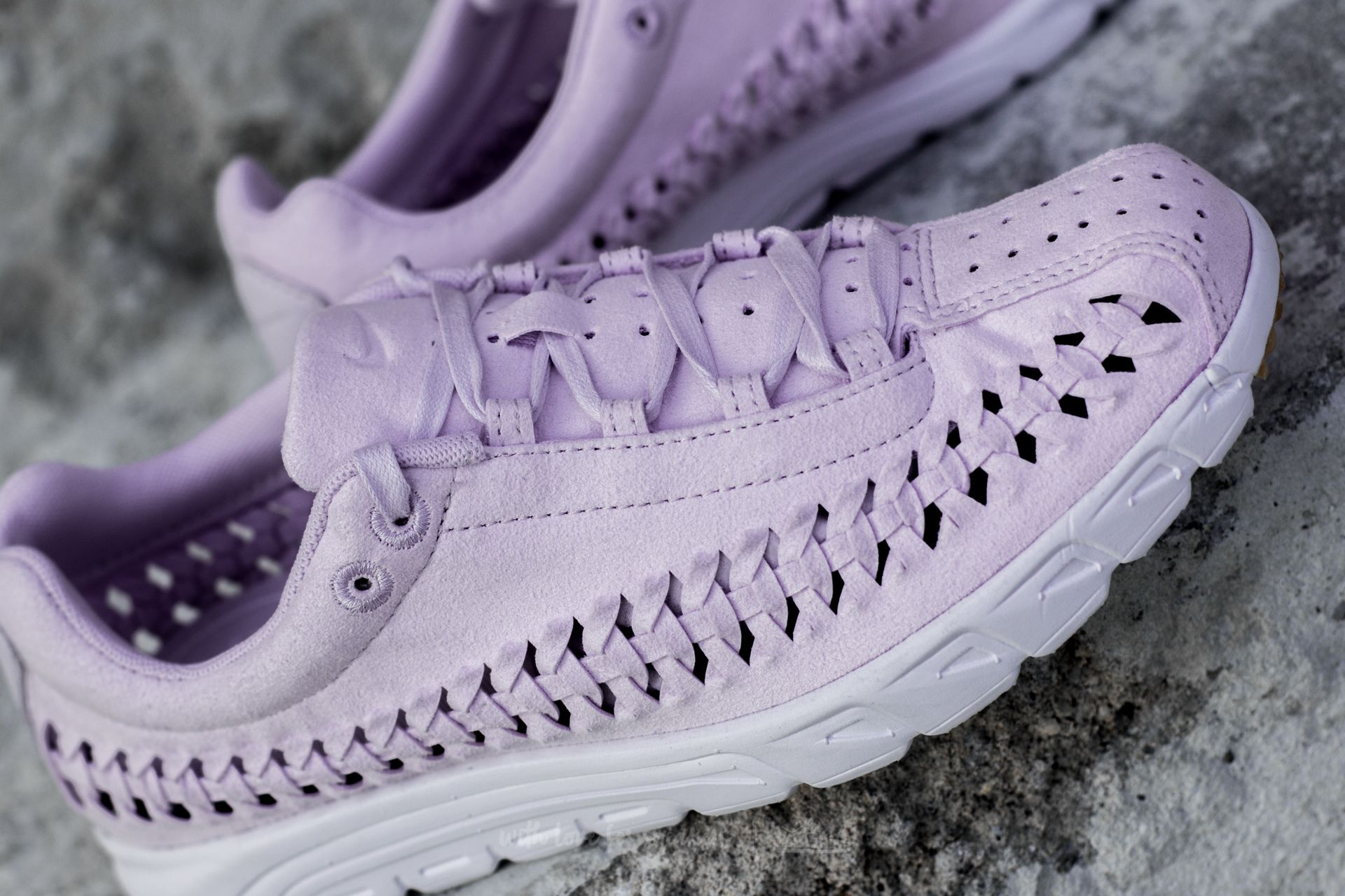 f1cc18c84b7 ... Nike Wmns Mayfly Woven QS Barely Grape Barely Grape at a great price 73  f6e7869 ...