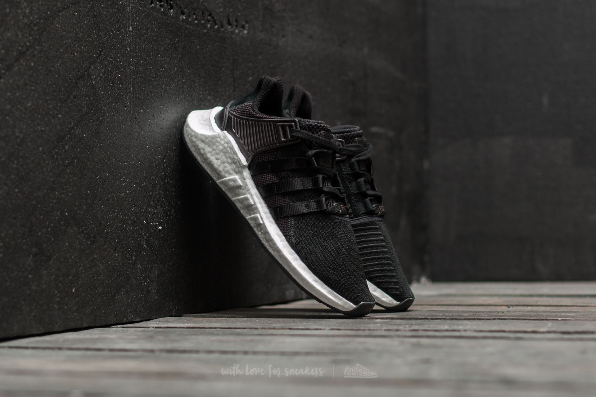 adidas EQT Support 93  17 Core Black  Ftw White  938d25316