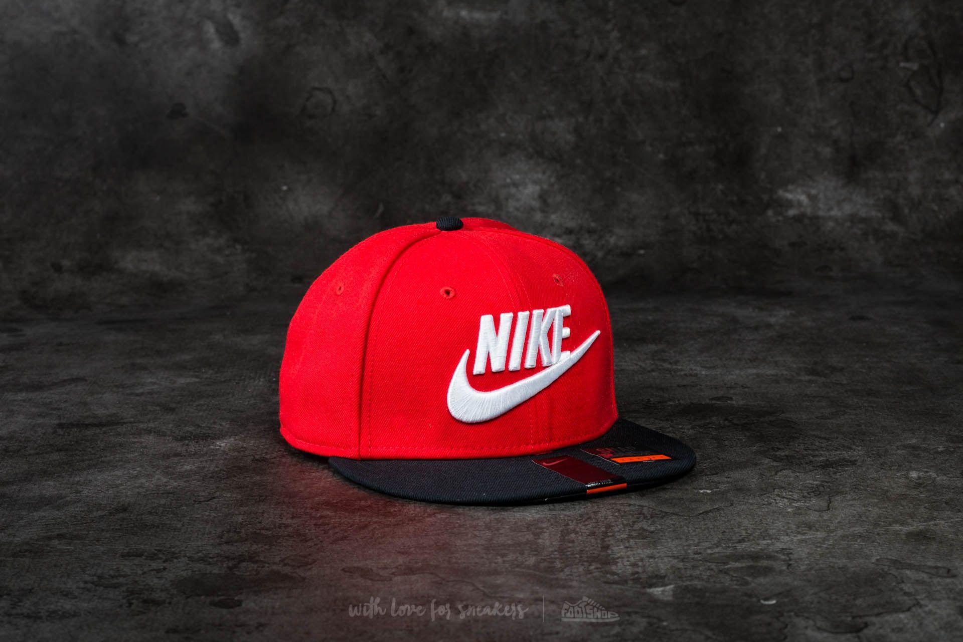 93f227ccd Nike Limitless Snapback True Red | Footshop