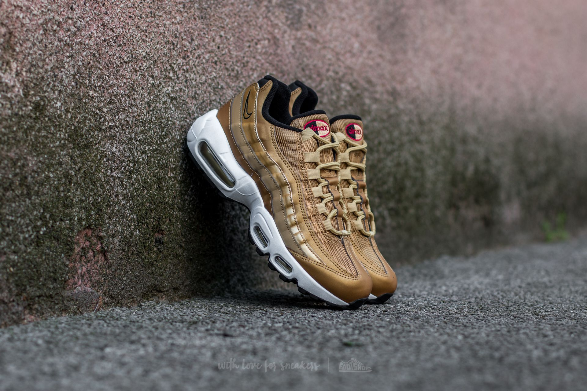 official photos 5632b 7bce0 Nike Air Max 95 Premium QS. Metallic Gold Varsity Red