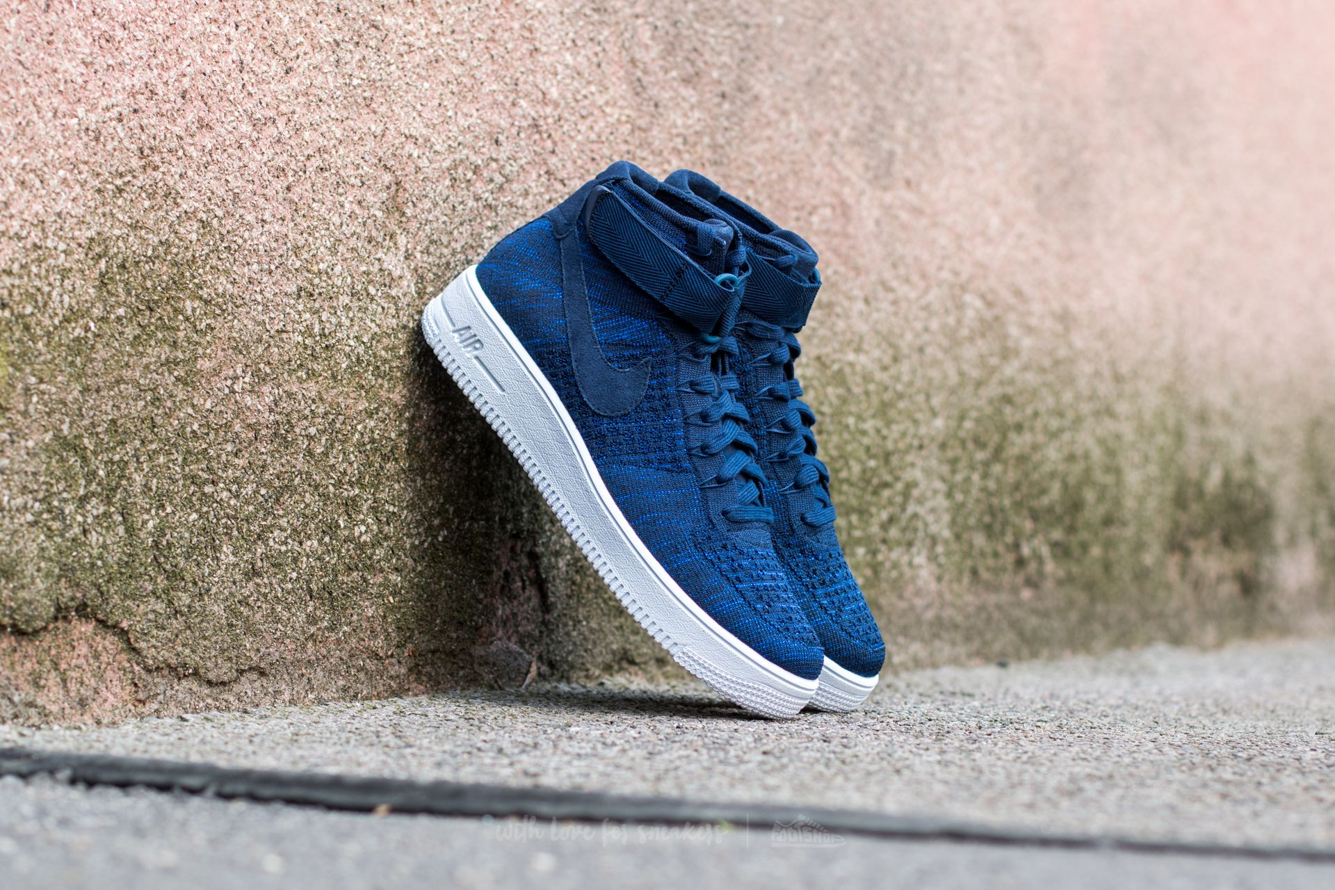 446e6e2255d75 Nike Air Force 1 Ultra Flyknit Mid College Navy  College Navy