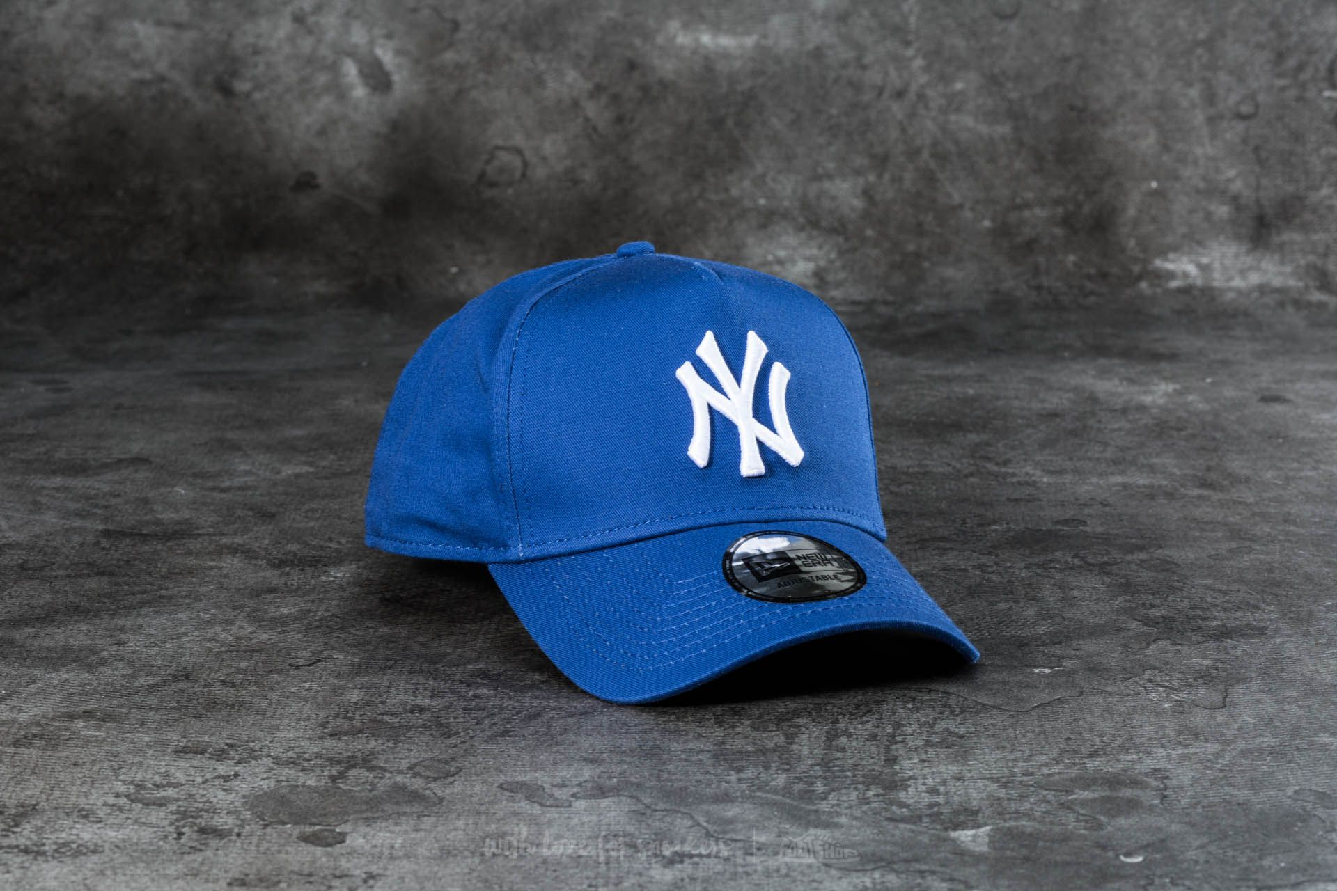 0ef986ab2915c New Era 9Forty Adjustable Team Essential Aframe New York Yankees Cap Navy