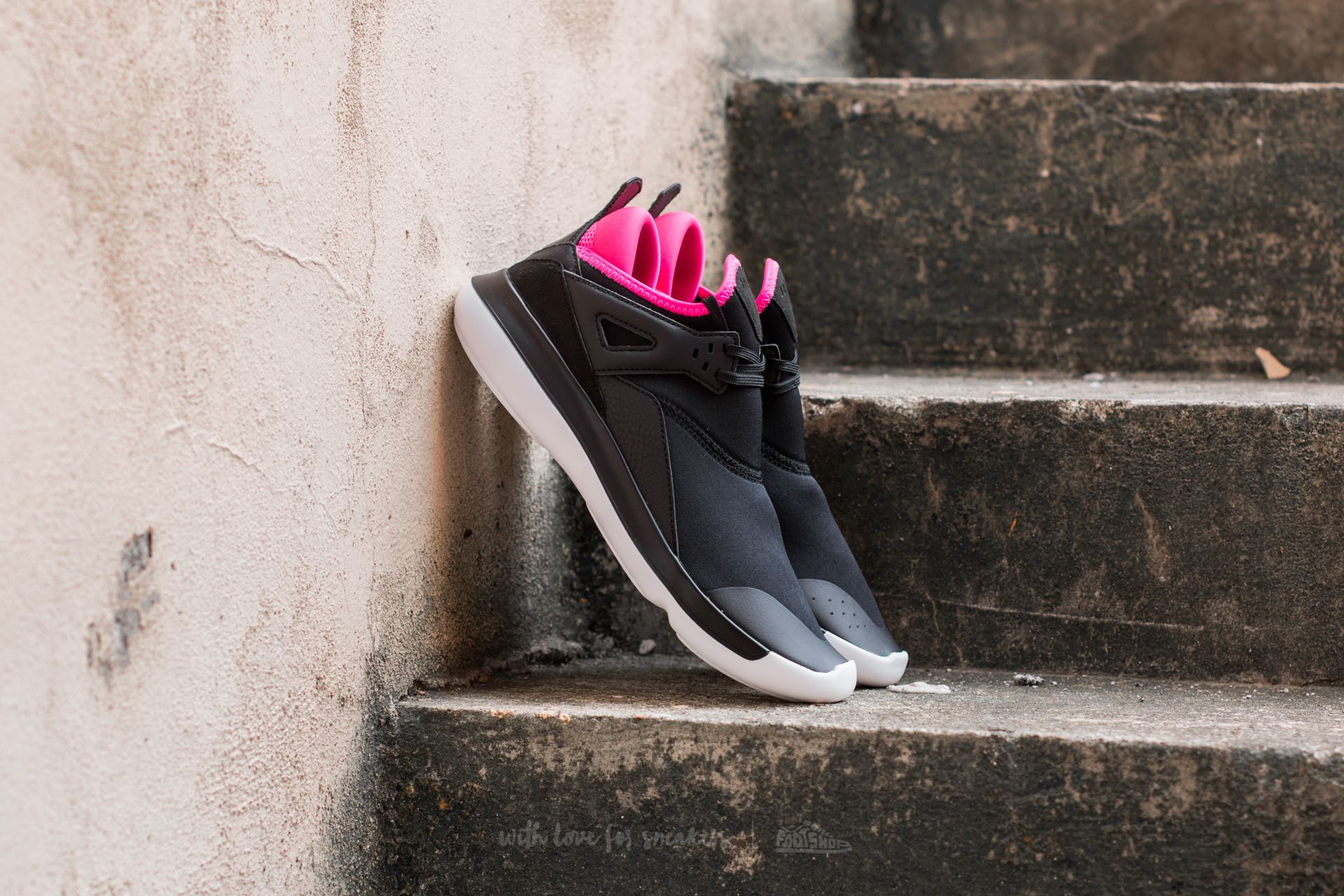 Дамски кецове и обувки Jordan Fly '89 GG Black/ Hyper Pink-White