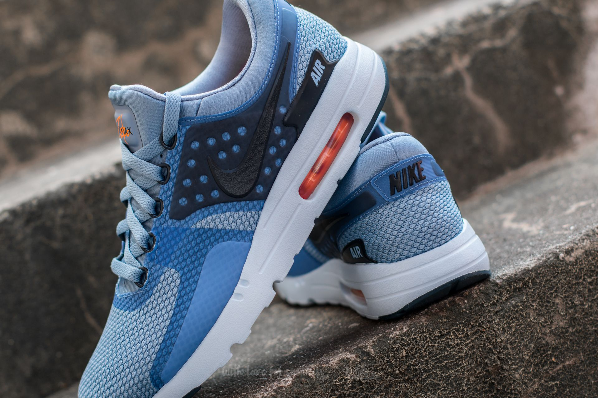 Nike Men's Air Max Zero Essential, Work BlueArmory Navy