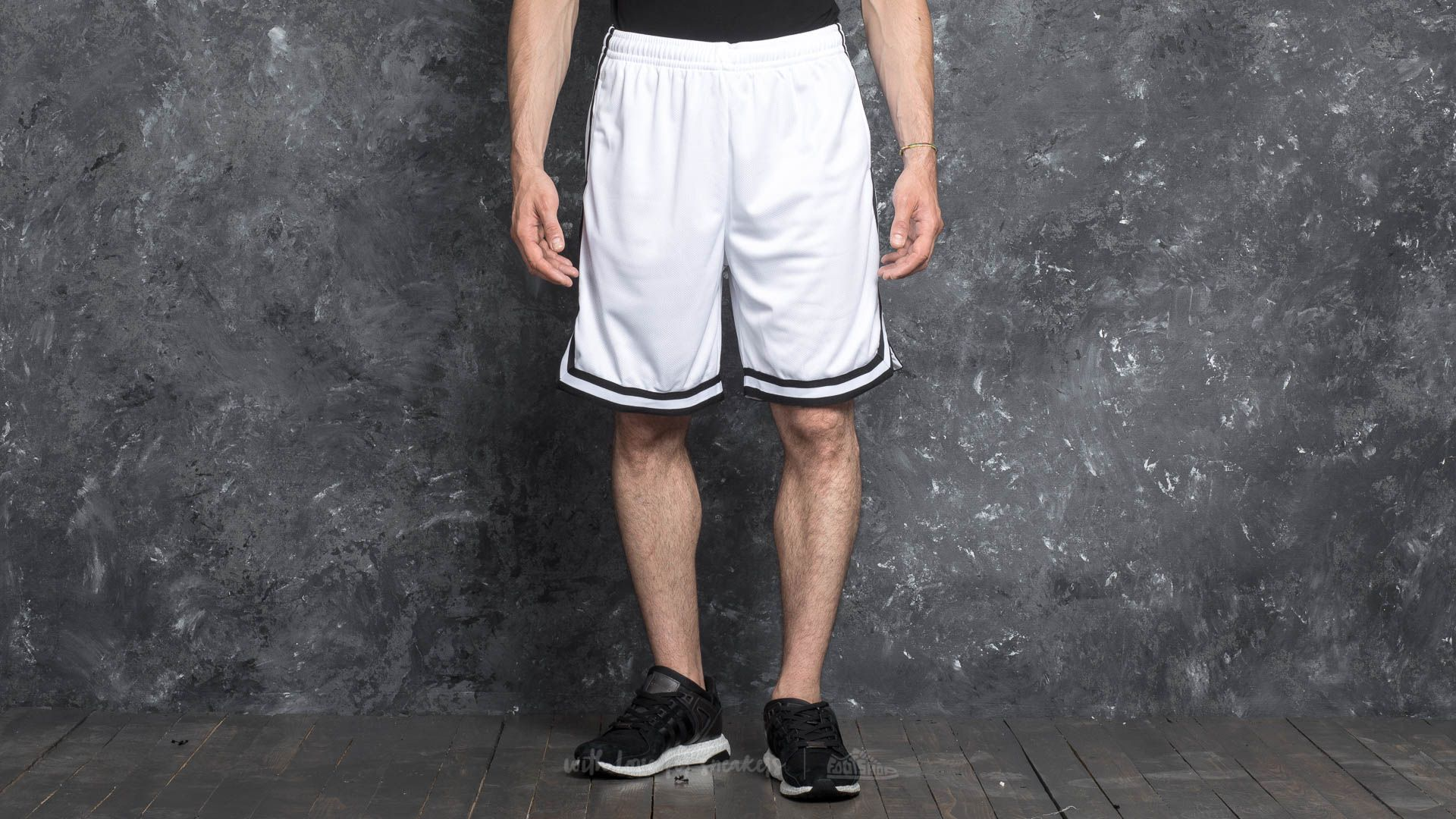 Urban Classics Stripes Mesh Shorts