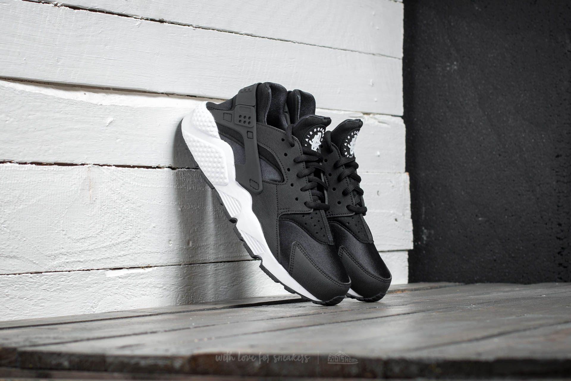 Nike Air Huarache Run Black/ Black/ White za skvělou cenu 3 290 Kč koupíte na Footshop.cz