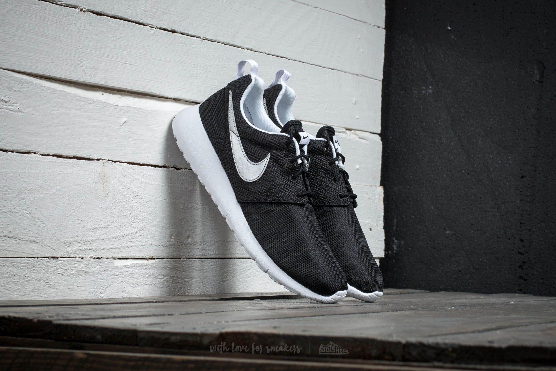 new concept 49890 0baef Nike Roshe One (GS) Black/ Metallic Silver/ White-White ...
