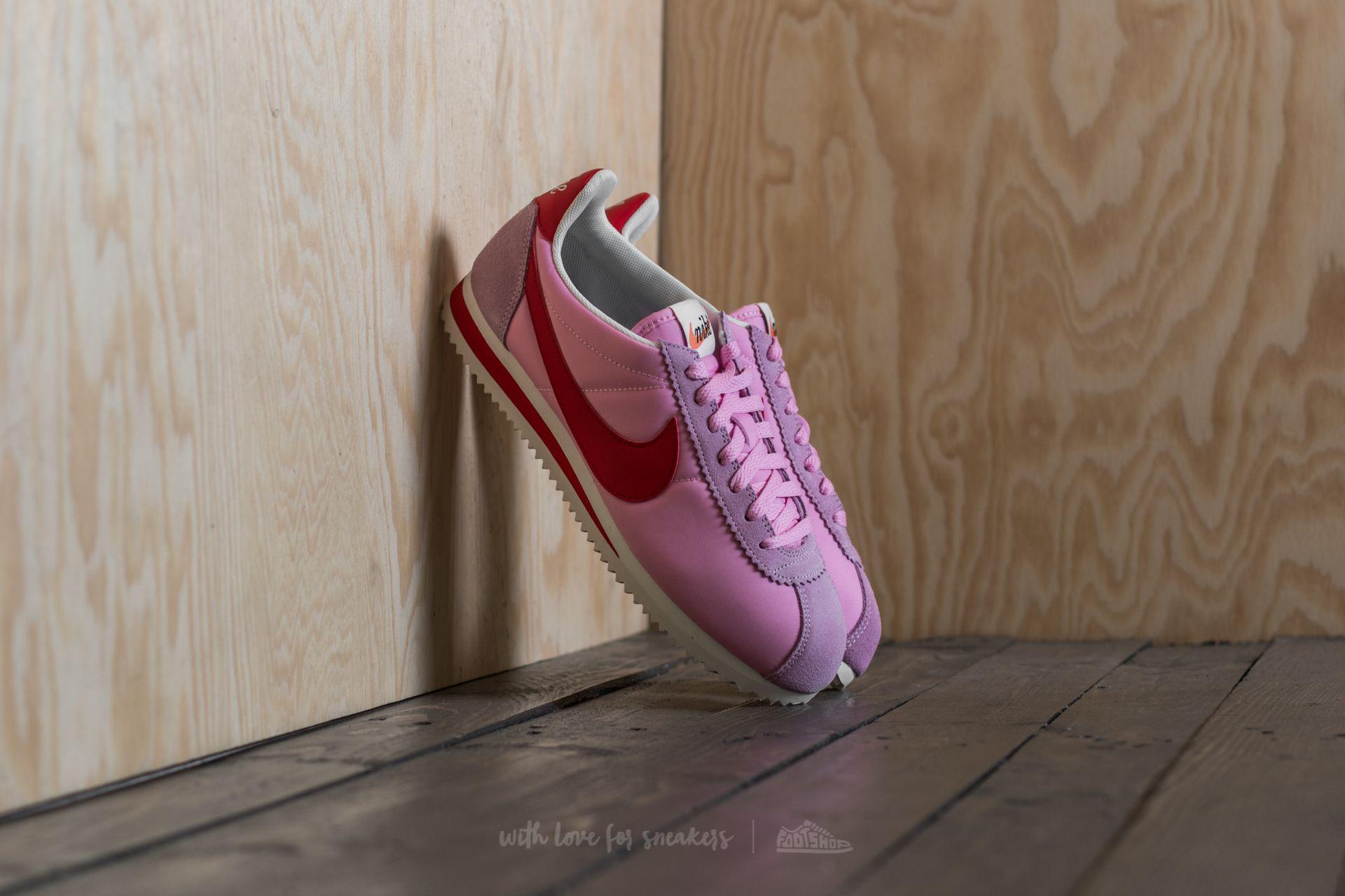 745e72672d2 Nike Wmns Classic Cortez Nylon Premium. Perfect Pink  Sport Red-Sail