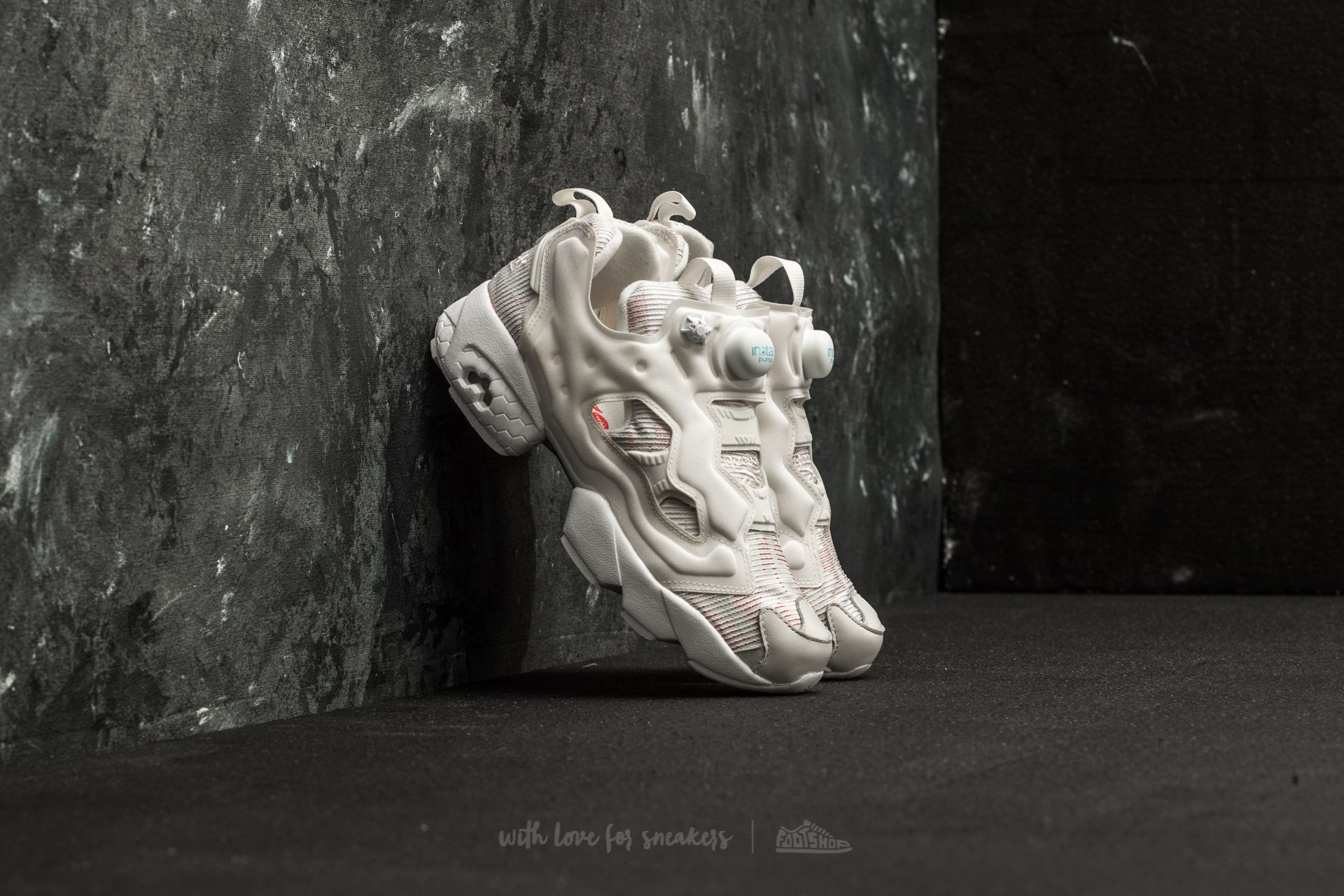 02029d4b028701 Reebok Instapump Fury FBT W Chalk  Blue  Red  Flash