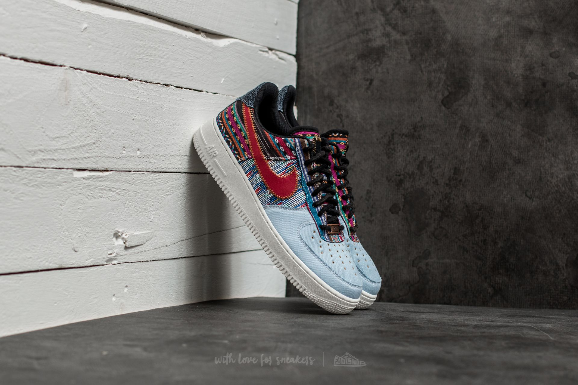 aa3b0accc3e Nike Air Force 1 ´07 LV8 Light Armory Blue  Gym Red