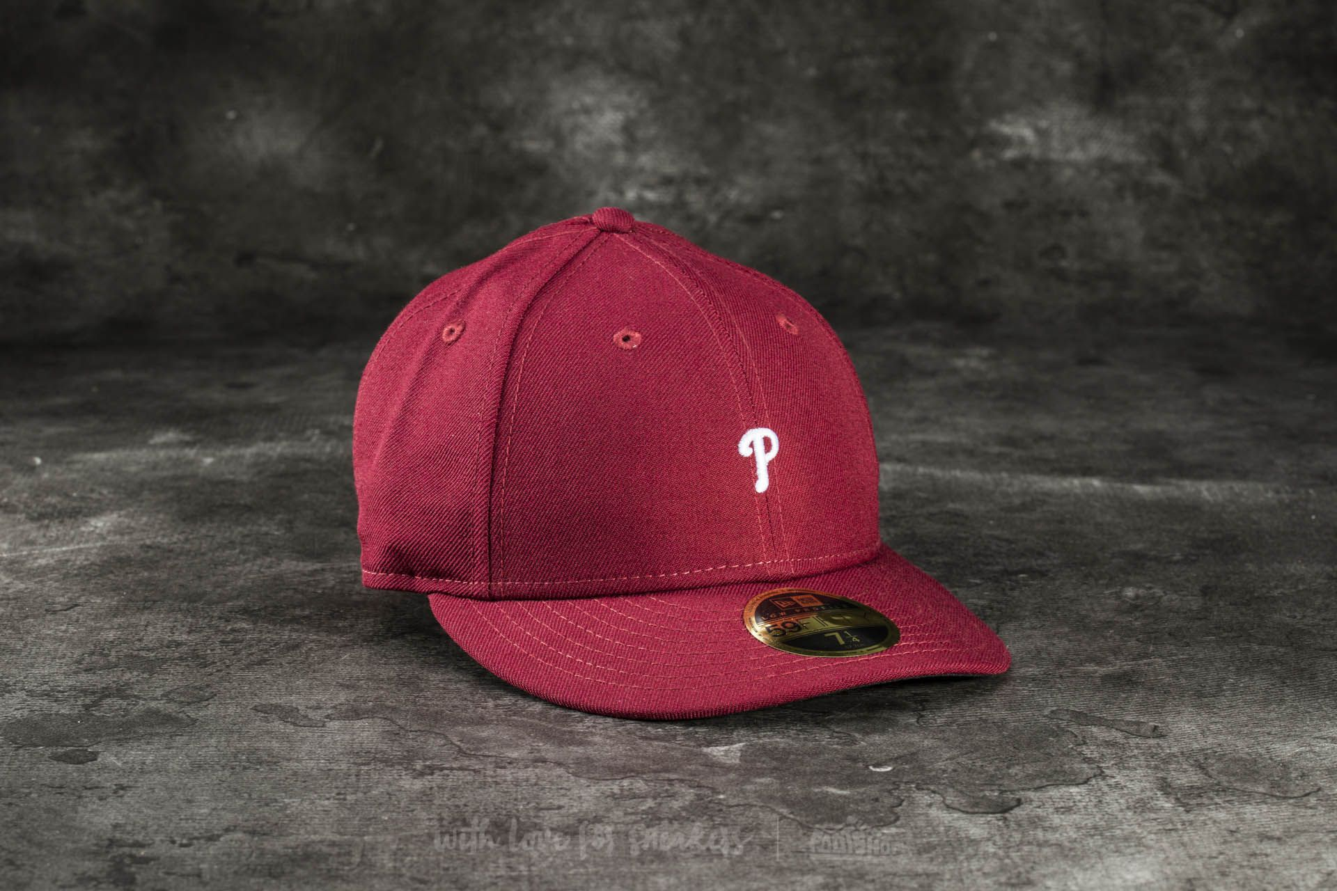 New Era 59Fifty Low Profile Mini Logo Philadelphia Phillies Cap Burgundy 83b44ea5ba5