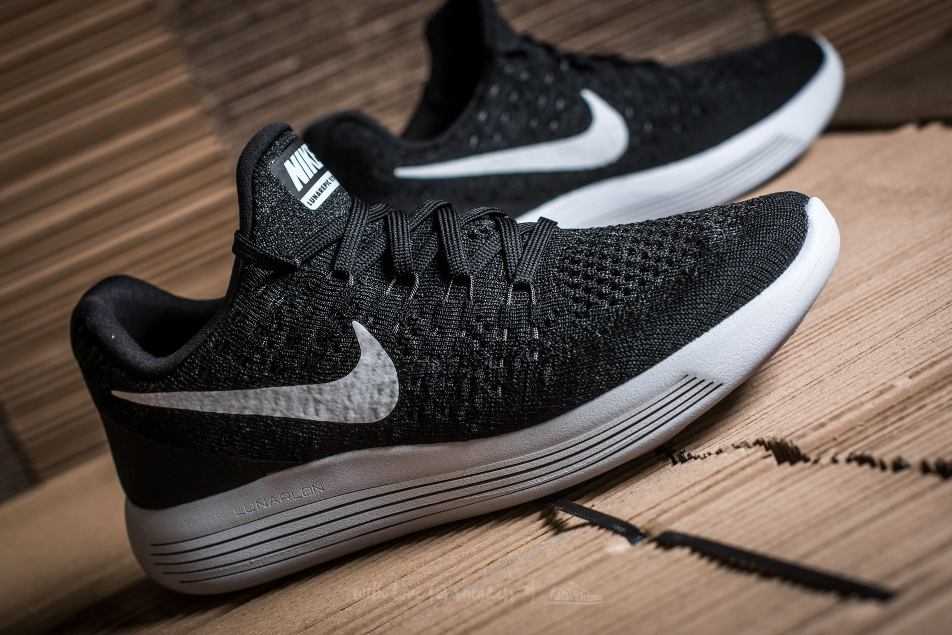 on sale ed111 f7d8b NIke W Lunarepic Low Flyknit 2 Black White-Anthracite at a great price £