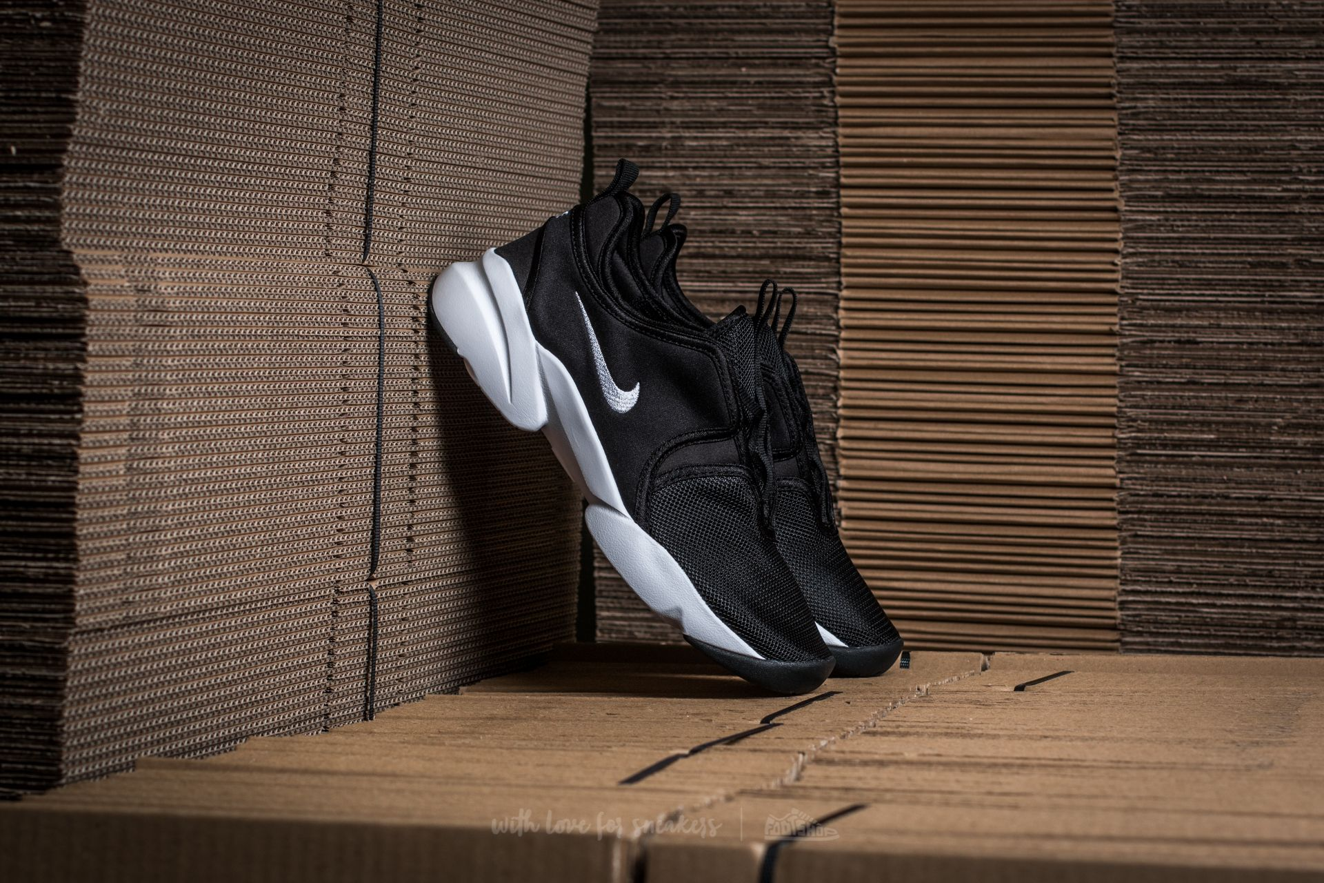 new arrival a899d 794cd Nike W Loden. Black White-White